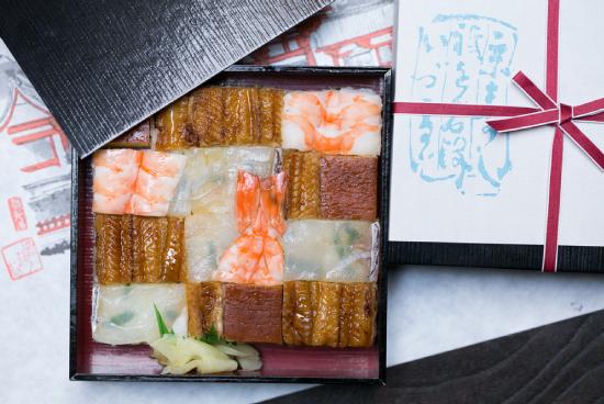 夏の上箱寿司