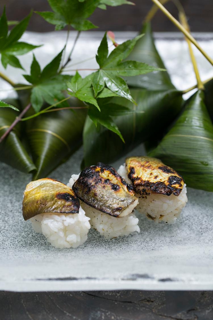 鮎の笹巻寿司